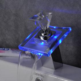 Changement de couleur conduit robinets cascade de bain - Grifos de cristal ...